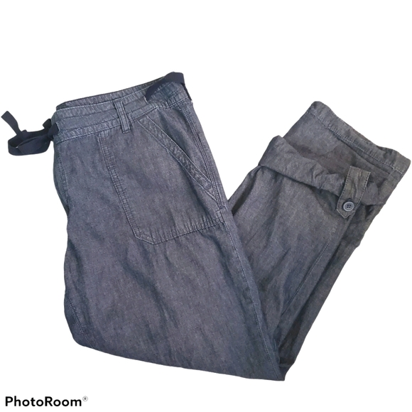 Tommy Hilfiger chambray cargo capris